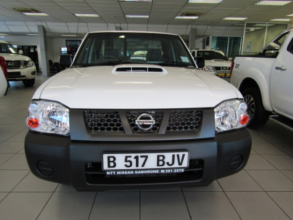 NISSAN HARDBODY NP300 2.5 TDi LWB 4 for Sale in South Africa