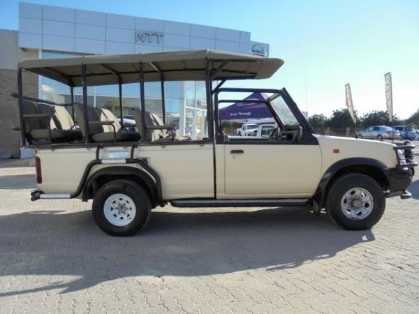 NISSAN HARDBODY 2400i SE 4X4 for Sale in South Africa