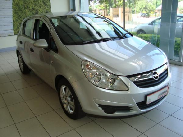 Used Opel Corsa 14 66 kW Essentia 5 Door Manual Silver 2009