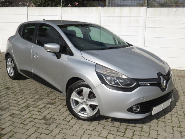 RENAULT CLIO IV 900 T EXPRESSION 5 for Sale in South Africa