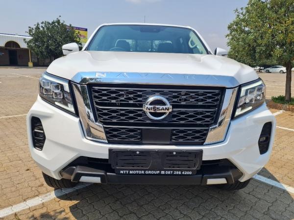 NISSAN NAVARA 2.5DDTi LE 4X4 A/T D/C P/U Used Car For Sale